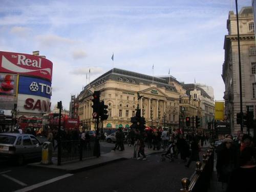 cruzamento_entre_picadilly_e_regent_street1.jpg